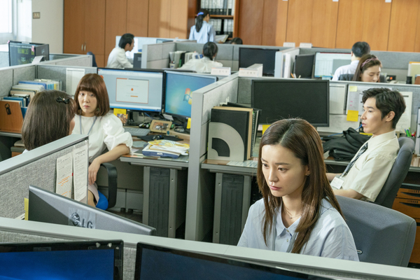http://file.koreafilm.or.kr/still/copy/00/52/01/DST666189_01.jpg